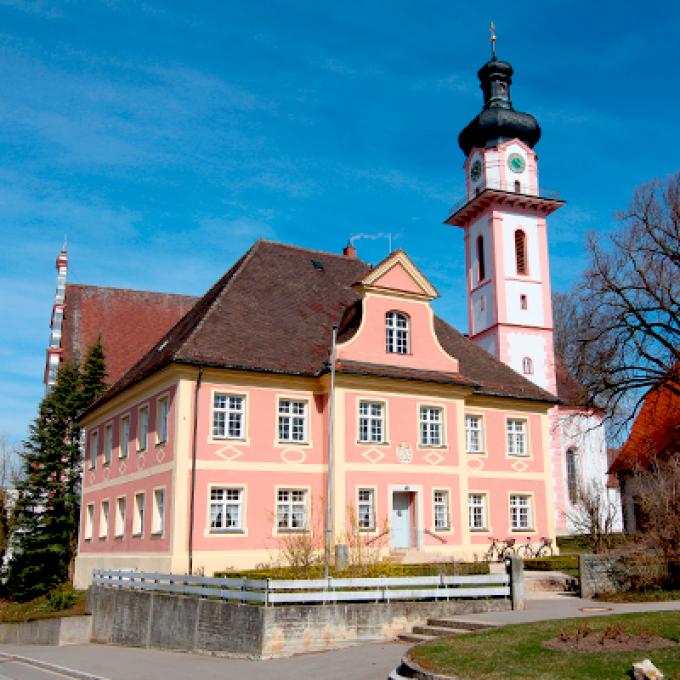 Kath. Stadtpfarrkirche St. Peter und Paul